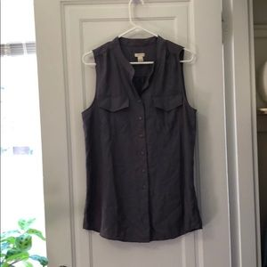 Sleeveless grey blouse